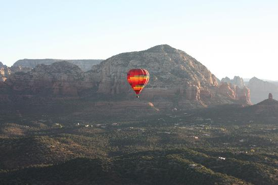 Sedona Real Inn and Suites: Red Rock Hot Air Balloon Ride