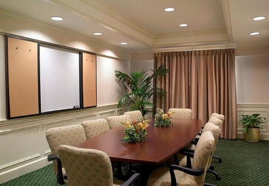 Fairfield Inn Jacksonville Airport: Meeting Room
