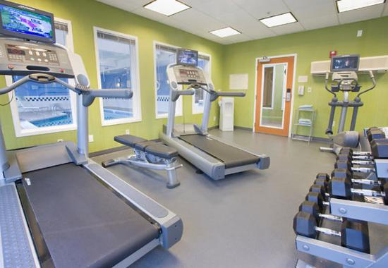 Fairfield Inn &amp; Suites Dover: Fitness Center