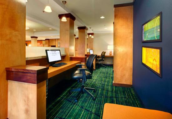 Fairfield Inn & Suites Sarasota Lakewood Ranch: Business Center