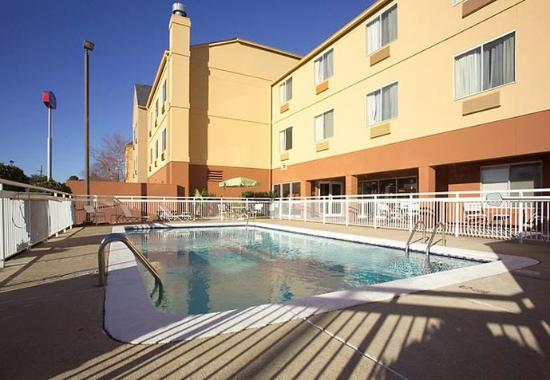 Fairfield Inn Shreveport Airport: Outdoor Pool