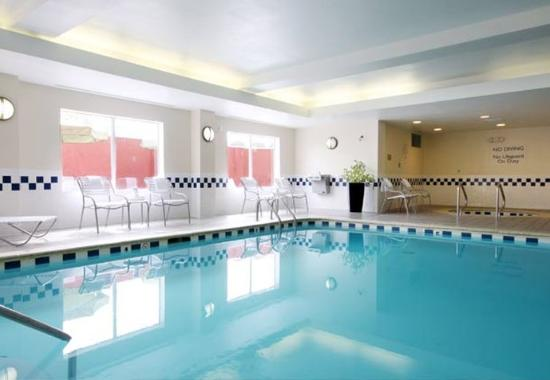 Fairfield Inn & Suites Gulfport: Indoor Pool