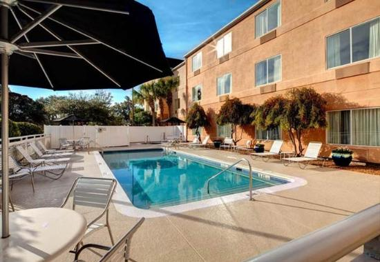 Fairfield Inn & Suites Ocala: Outdoor Pool
