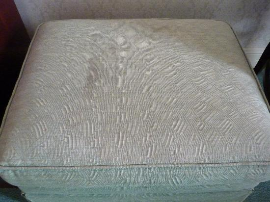 Clarion Collection Bristol Hotel: stains on ottoman