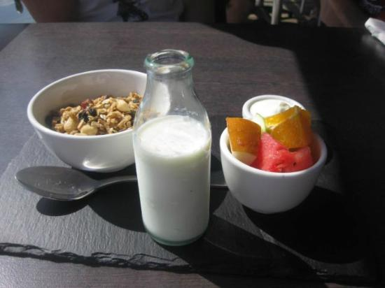 Tea Gardens Boatshed: Delightful light breakfast I should have had ( egg dishes too divine not to try )