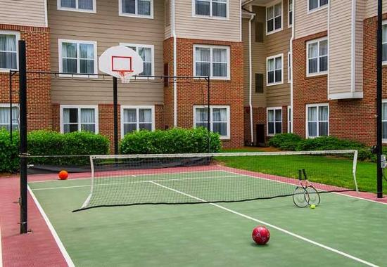 Residence Inn Raleigh Cary: Sport Court