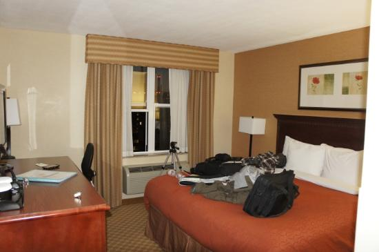 Country Inn & Suites NYC in Queens: Camera con vista