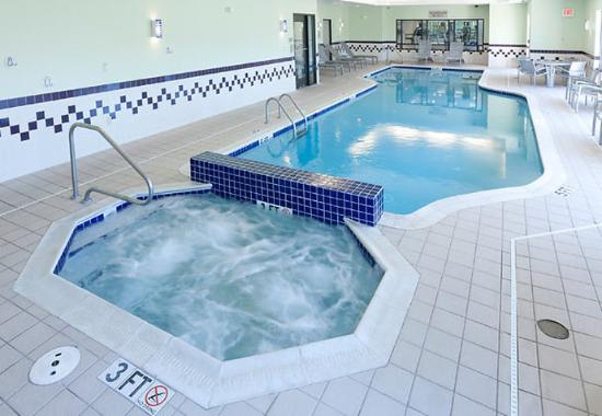 SpringHill Suites Cleveland Solon: Indoor Pool