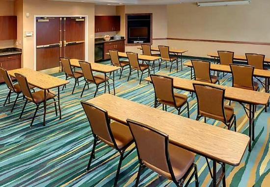 SpringHill Suites Cleveland Solon: Meeting Room - Classroom Set Up