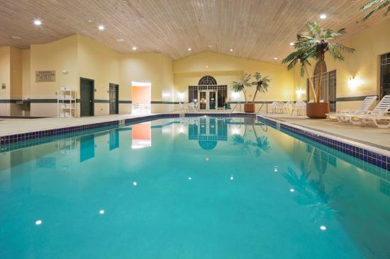 Country Inn & Suites By Carlson, Appleton: CountryInn&Suites Appleton Pool