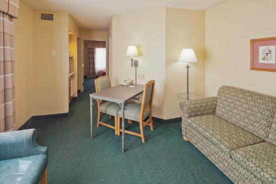 Country Inn & Suites By Carlson, Appleton: CountryInn&Suites Appleton Suite