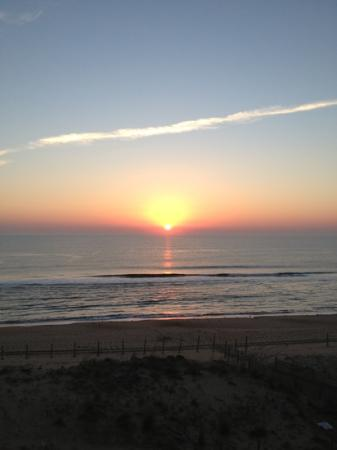 Quality Inn & Suites Beachfront Ocean City: The view from my balcony is majestic!