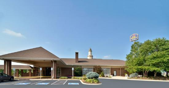 BEST WESTERN PLUS Morristown Conference Center Hotel: Exterior