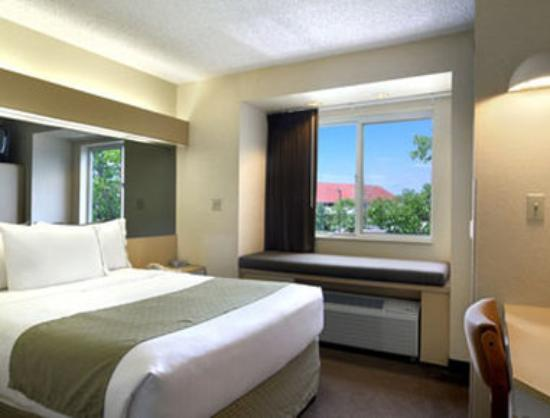 Microtel Inn by Wyndham Henrietta/Rochester: Standard Queen Bed Room