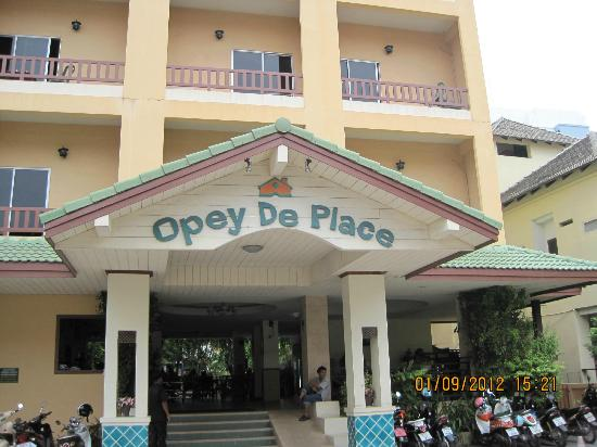 Opey de Place Hotel: Eingang
