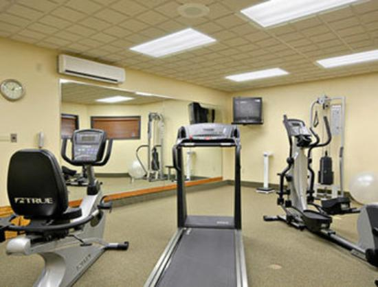 Wingate by Wyndham Bentonville: Fitness Center