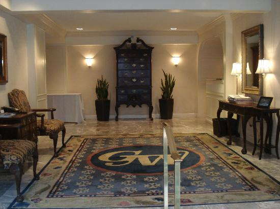 George Washington University Inn: The lobby