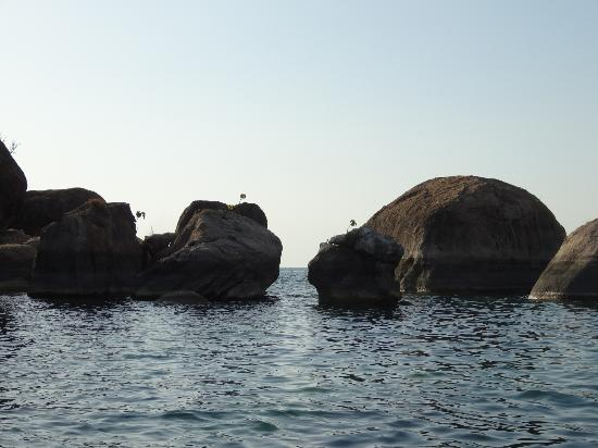 Danforth Yachting: rock-formation/diving spot