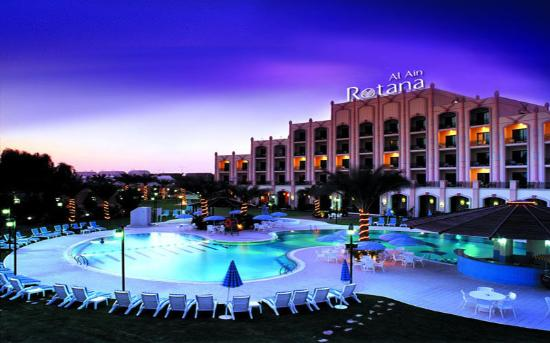 Al Ain Rotana Hotel: Hotel Exterior