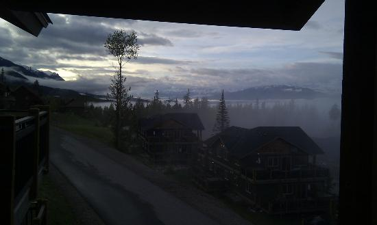 Aspens at Kicking Horse Mountain Resort: Clouds over the valley of Golden one evening