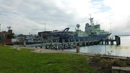 Woods Hole Inn: View from sidewalk of Atlantis one block from WHI
