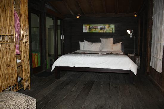 Desa Sanctuary, The Village: room with comfy bed