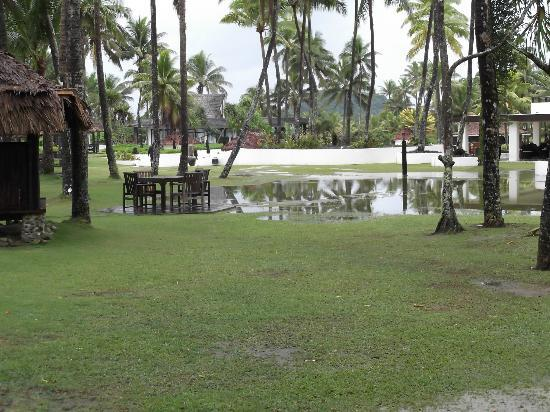 The Pearl South Pacific: A bit of rain