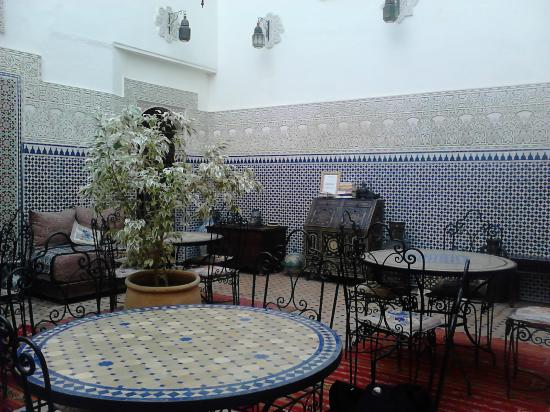 Riad al akhawaine: Patio/ breakfast room