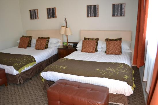 Skylark Hotel: Comfortable Beds and Bedding