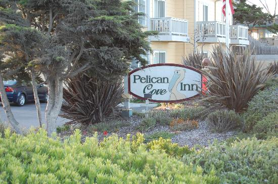 Pelican Inn &amp; Suites: The Entrance to the Resort