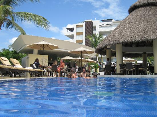 Marival Residences Luxury Resort Nuevo Vallarta: Pool