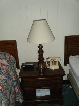 Jasper's Motel & Restaurant: Bedroom.