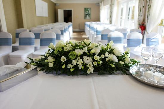 Hadlow, UK: Ceremony &quot;Garden Room&quot;
