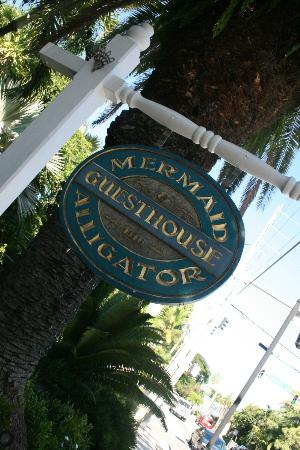 The Mermaid & The Alligator: Front of inn