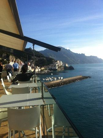 Miramalfi Hotel: View from the balcony in front of the restaurant