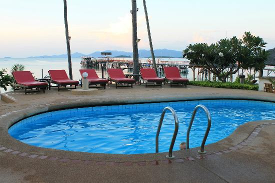 Samui Pier Resort: piscine