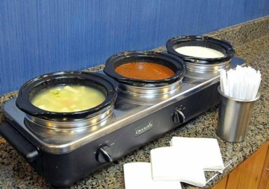 Comfort Inn: Evening Reception with hot Soup Bar