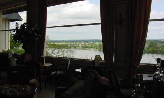 Chenehutte-Treves-Cunault, Frankreich: View from the dining room over the River Loire