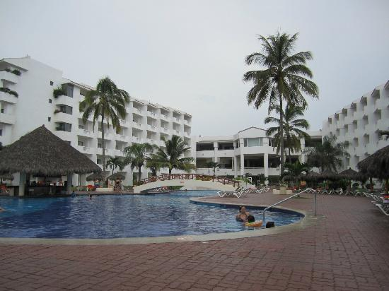 Marival Resort & Suites: Quiet pool