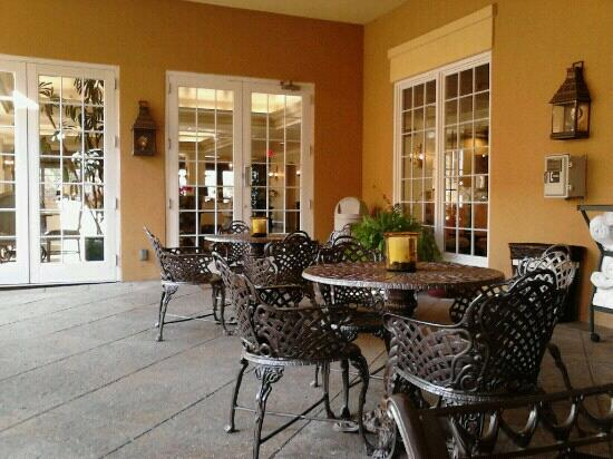Hampton Inn Garden District - St. Charles Avenue: Patio