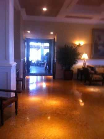 Pelican Grand Beach Resort, A Noble House Resort: Lobby