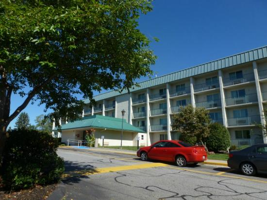 Motel 6 Boston - Danvers: Exterior