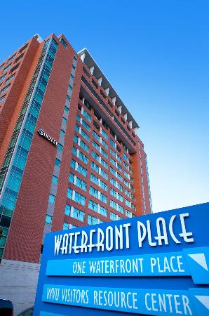 ‪Waterfront Place Hotel‬