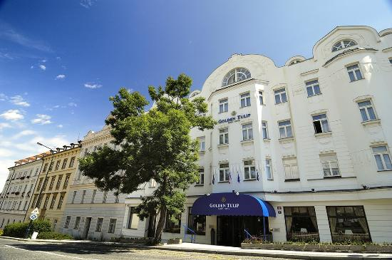 ‪Golden Tulip Savoy Prague‬