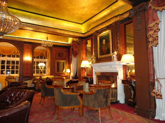 The Goring Restaurant: Magnificent lounge
