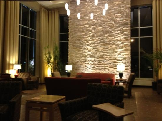 Cambria Suites Traverse City: The lounge area at Cambria Suites