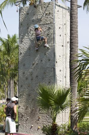 Club Med Ixtapa Pacific: Climbing wall