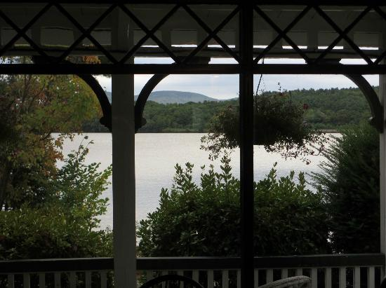 The Lake House at Ferry Point: View over lake in evening
