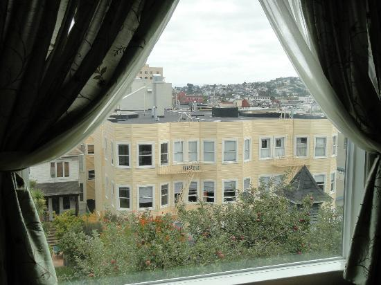 Noe's Nest Bed and Breakfast: The view room