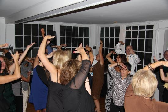 Whitehall Inn: Dancing!